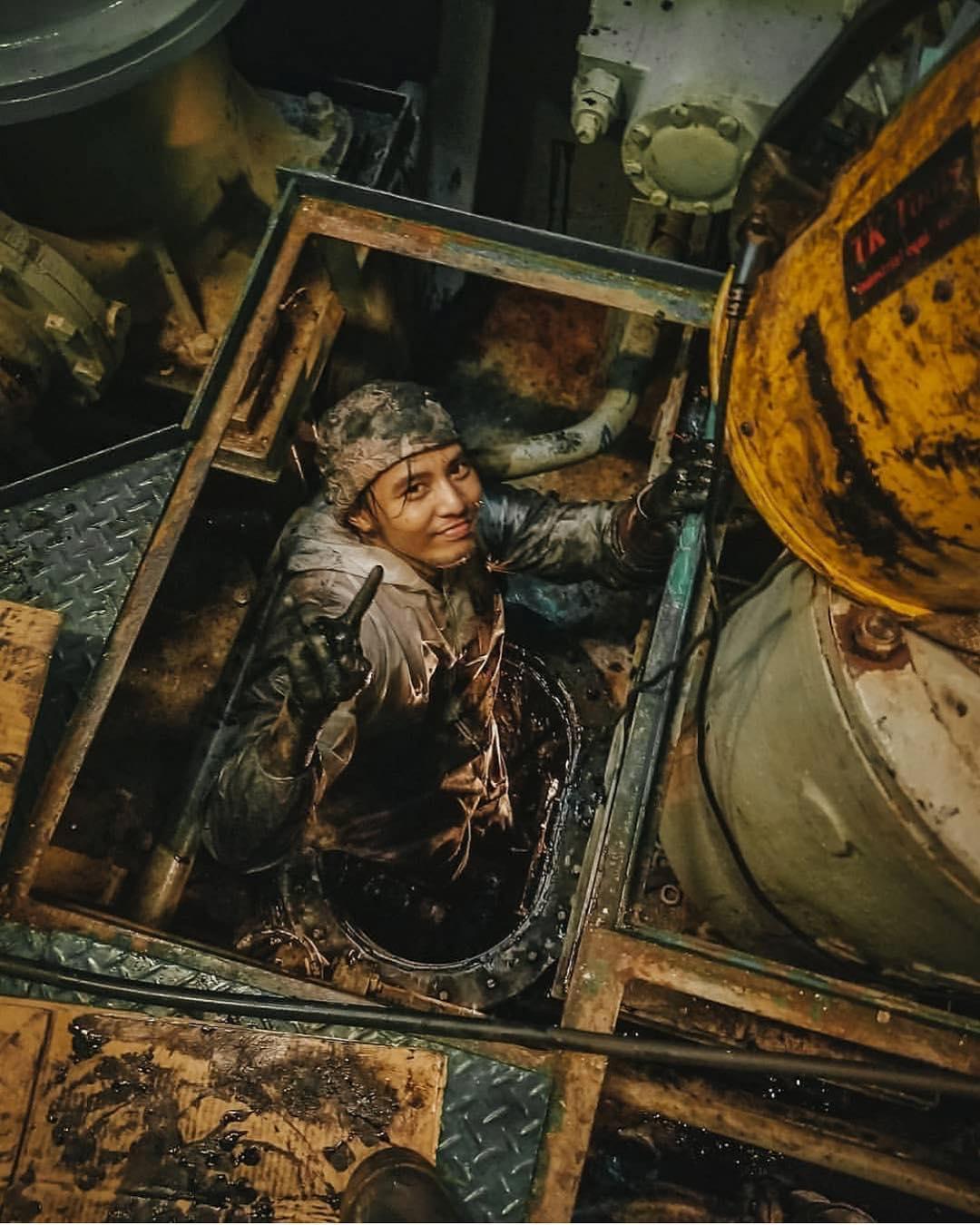 Dirty Jobs on Ship